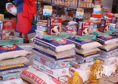 Shopping for food parcels 2007 (2)